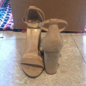 Brand new tan heel